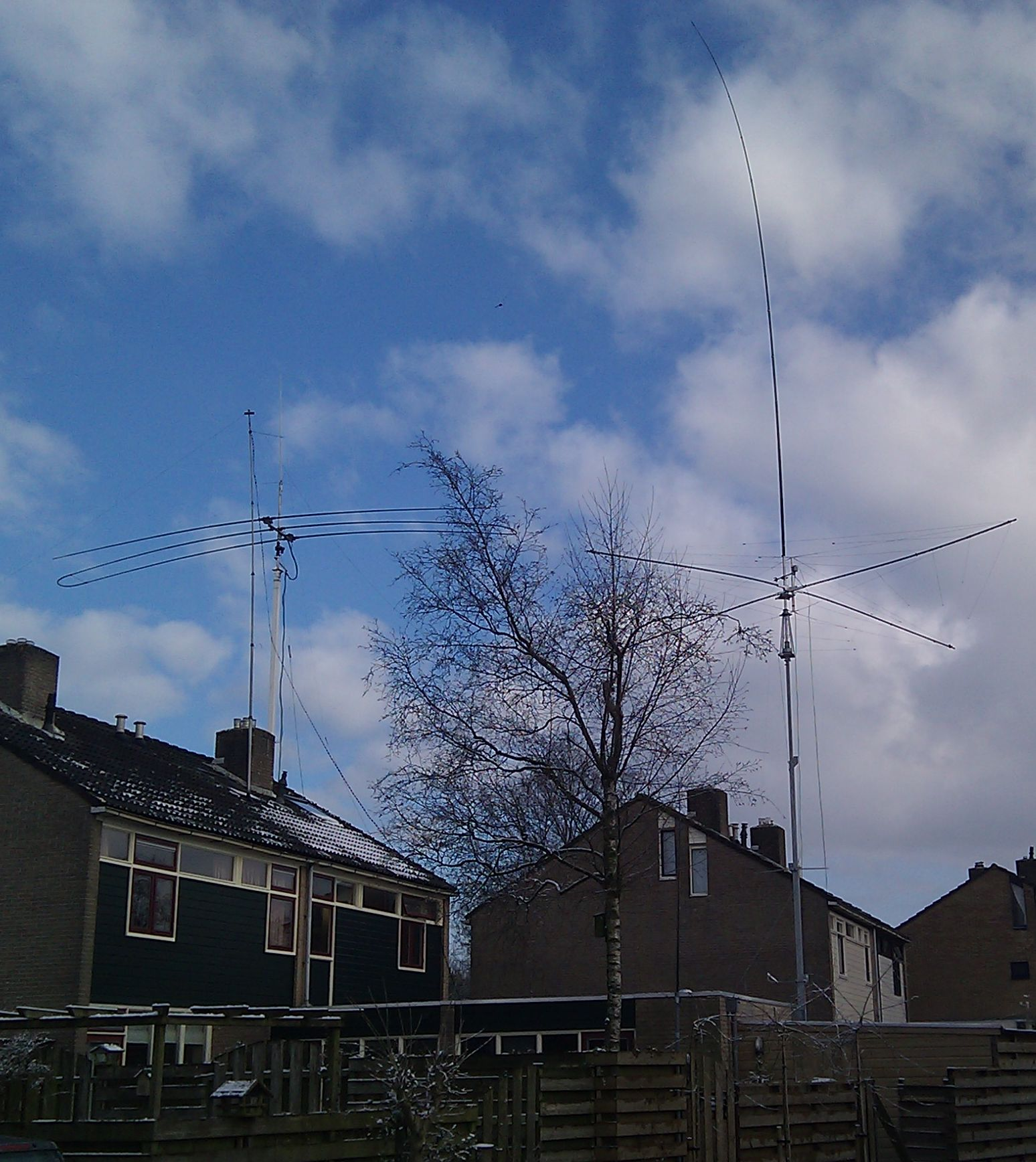 80-160 antenna for the small garden - PA1M - Amateur Radio
